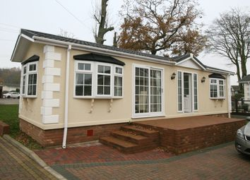 Thumbnail 2 bed mobile/park home for sale in Abbotts Way, Harrietsham