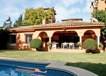 Thumbnail 3 bed detached house for sale in Spain, Málaga, Estepona, Paraiso Bajo