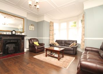 Thumbnail 1 bed flat to rent in Lakeside Road, Palmers Green, London