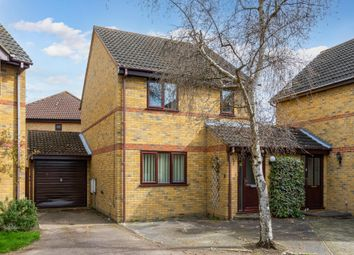 Thumbnail 3 bed link-detached house for sale in Hunters Close, Stotfold, Herts