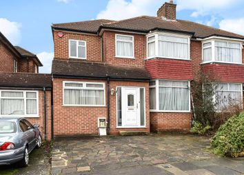 Thumbnail 5 bed detached house to rent in Braithwaite Gardens, Stanmore