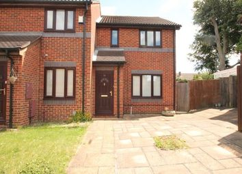 3 bed property to rent in Woodfall Drive, Dartford DA1