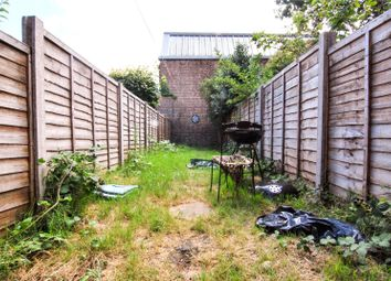 Thumbnail 3 bed flat to rent in Hermitage Road, Harringay, London
