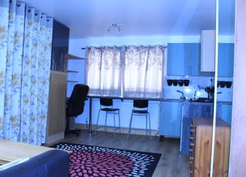 Thumbnail Room to rent in Browning Avenue, Drayton Green, London, Greater London