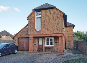 Thumbnail Room to rent in Brighton Road, Salfords, Redhill