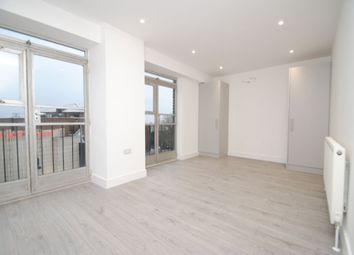 Thumbnail 3 bed flat to rent in Fortis Green Road, Muswell Hill, London