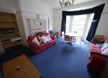 4 bed flat to rent in Hyde Park Road, Hyde Park, Leeds LS6