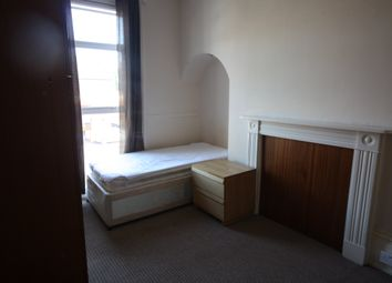 Thumbnail 6 bedroom property to rent in Claredon Avenue, Leamington Spa, Warwickshire
