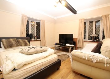Thumbnail 3 bed flat to rent in Woodside Lane, Bexley