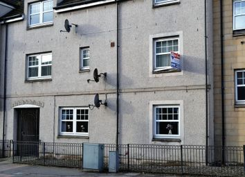 Thumbnail 3 bed flat for sale in High Street, Cowdenbeath