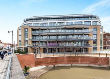 Thumbnail 2 bed flat for sale in Bridge Avenue, Maidenhead