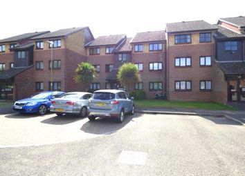 Thumbnail 2 bed flat to rent in Woodrush Crescent, Locks Heath, Southampton