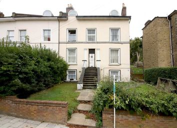 2 bed property to rent in Knollys Road, London SW16