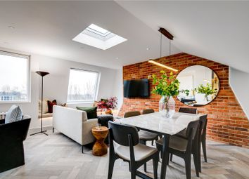 Oxford Gardens, London W10. 2 bed flat for sale