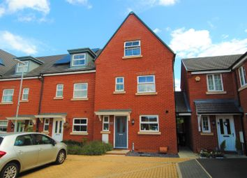 4 bed property for sale in Tees Avenue, Rushden NN10