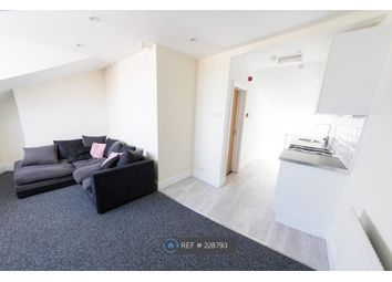 Thumbnail 1 bed flat to rent in Queens Road, Buckhurst Hill