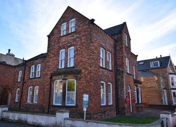 2 bed flat to rent in New Parks Crescent, Scarborough YO12