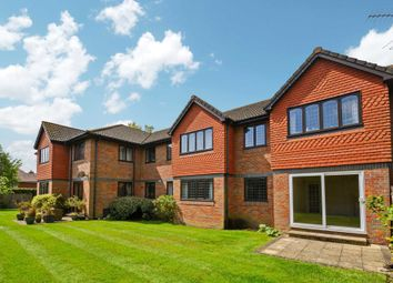 Thumbnail 2 bed flat for sale in Hervines Court, Amersham