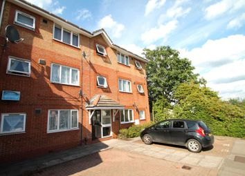 Thumbnail 1 bedroom flat to rent in Station Approach West, Earlswood, Redhill