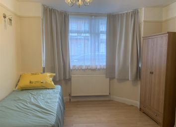 Thumbnail Room to rent in Wilton Road, Colliers Wood, London