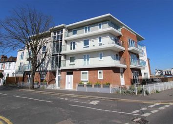 Thumbnail 2 bed flat to rent in Leigh Road, Southend On Sea, Essex