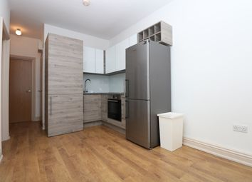 Thumbnail 2 bed flat to rent in Median Road, Clapton