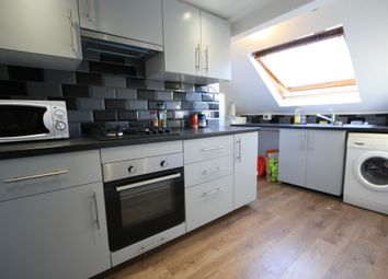 Thumbnail 2 bed flat to rent in Barrow Road, Wandsworth