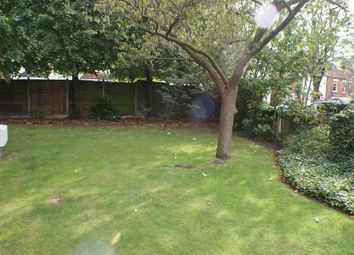 Thumbnail 2 bed flat to rent in St Andrews Court, Earlsfield