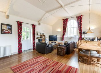 2 bed mews house for sale in Chesterton Court, Chesterton, Bicester, Oxfordshire OX26