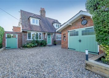 Chestnut Lane, Amersham, Buckinghamshire HP6. 5 bed detached house