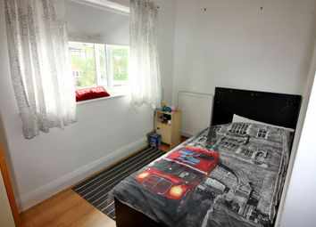 Thumbnail 2 bed flat to rent in Shirehall Gardens, London