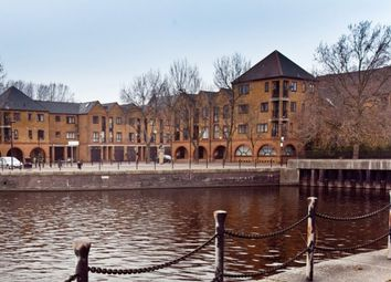 Thumbnail 4 bed town house for sale in Brunswick Quay, London