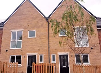 Thumbnail 3 bedroom town house to rent in Leven Street, Reading