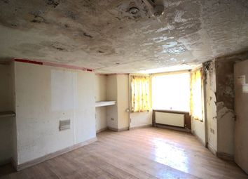 Thumbnail 2 bed flat for sale in Anlaby Road, Hull