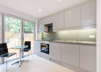 2 bed maisonette to rent in Apsley Road, South Norwood, London SE25