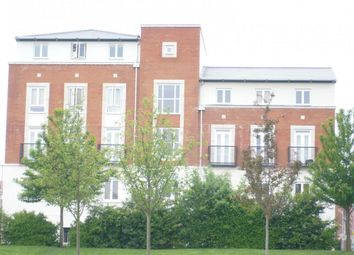 3 bed flat to rent in Mosquito Way, Hatfield AL10