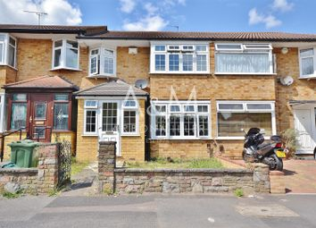 Thumbnail 3 bedroom terraced house for sale in Lakeland Close, Chigwell