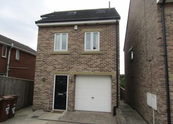 3 Bedrooms Detached house to rent in School Lane, Castleford WF10