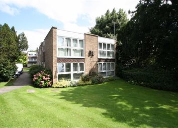 Thumbnail 1 bed flat to rent in Foxgrove, London