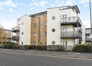 Thumbnail 2 bedroom flat for sale in Bridge Wharf, Chertsey