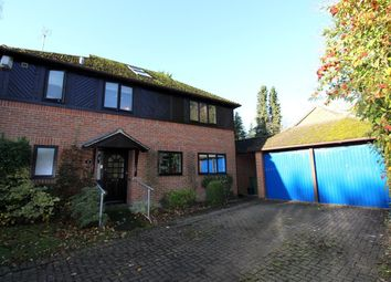 Thumbnail 5 bed detached house to rent in Hazel Gardens, Sonning Common