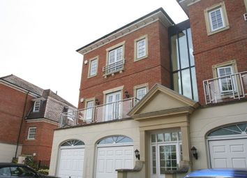 Thumbnail 2 bed flat for sale in Copperfields, Tunbridge Wells
