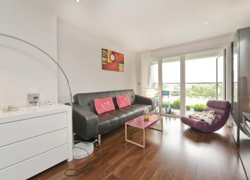 Thumbnail 1 bed flat to rent in Lough Road, Islington