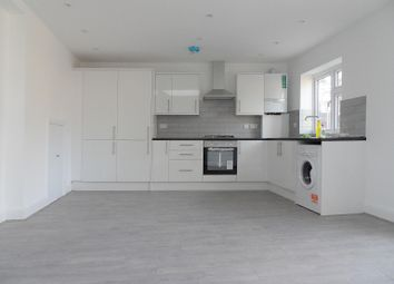 2 bed flat to rent in Craigweil Close, Stanmore HA7