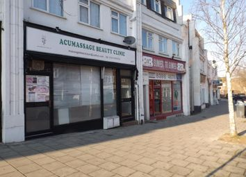 Thumbnail 1 bed flat to rent in Chiltern Drive, Surbiton