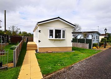 2 bed mobile/park home for sale in Branch Road, Cheltenham, Gloucestershire GL51