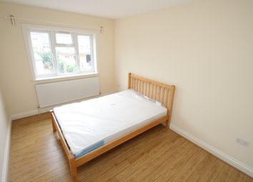 Thumbnail Room to rent in Eastern Avenue, Gants Hill