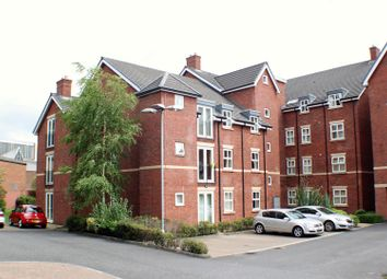 2 bed flat to rent in Clarendon Place, Eccles, Manchester M30
