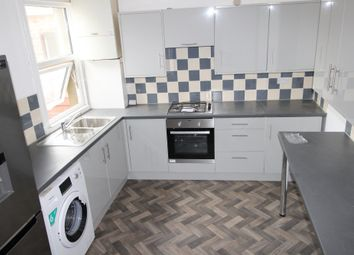 Thumbnail 1 bed flat to rent in St. Pauls Mews, Whitley Wood Lane, Reading