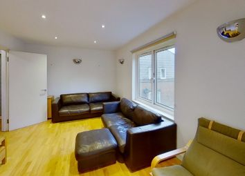 Thumbnail 2 bed property to rent in Cartwright Street, Tower Hill, London